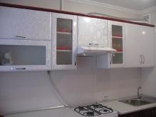 Кухня МДФ: Червоні квіти + Білі квіти