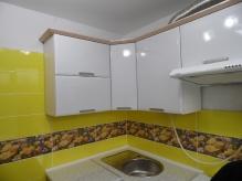 Кухня МДФ: Білий Металік Глянець + Крем Брюле (VINYL GROUP)