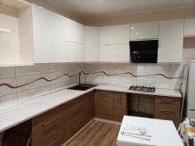 Кухня МДФ: Фарбований глянець RAL 9001 Cream + AGT 388 toledo light wood