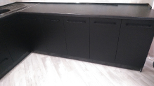 Кухня AGT (АГТ) : AGT 723-Чорний шовк (мат)  AGT 730-Кремовий шовк (мат)